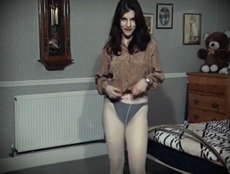 BEDROOM BOUNCE - college girl jiggy tits strip dance tease Xxx Kantotan