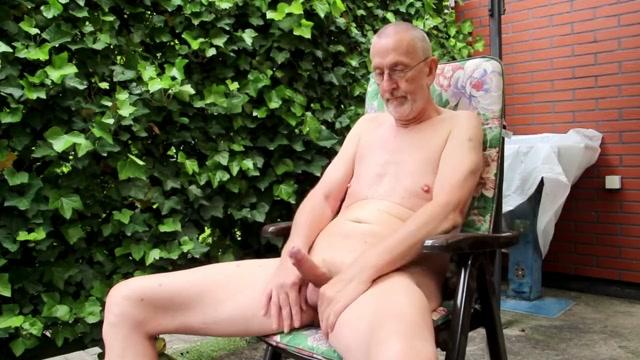 Nackedei wichst 121 Pretty nude twink