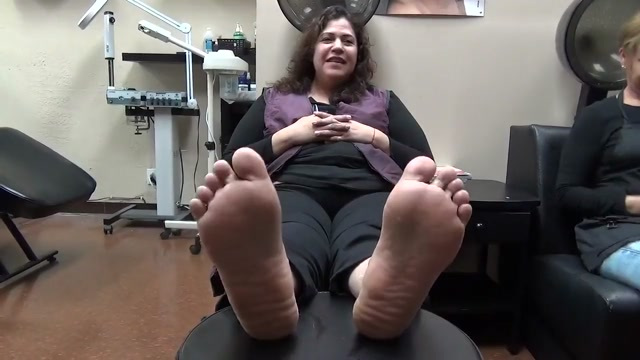 Wide feet ticklish ( add me to see the true gym the lady next to her) Women who wanna fuck in Bosnia and Herzegovina
