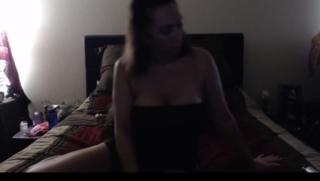 Horny Mommy plays with her toys How to tell my boyfriend i want sex