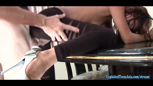 Exclusive Thai Amateur Street Walker Jah Fucks In Ripped Gym Pants By Big Cock Hard Fuck On Dinning Table jav adult porn bokep video
