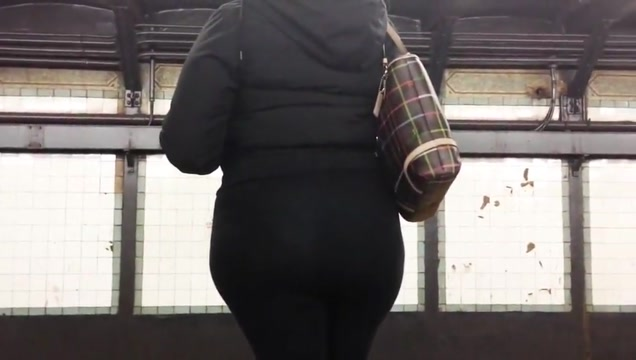 Latina Booty in Vpl See-thru Spandex Adult singles dating in Senpai