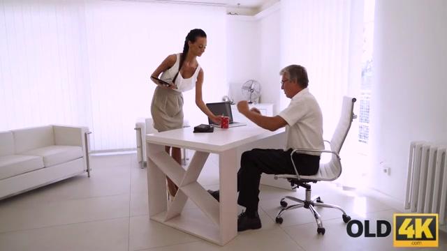 OLD4K. Old boss nails black-haired secretary right on office table Hot girlfriend fucks me