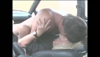 car sex 2 skinny ass fucking girl