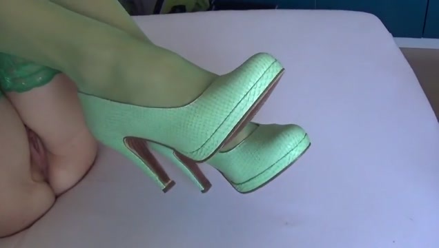Cum on green nylons & green high heels Famous pussy photos