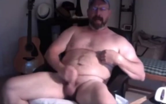 Daddy bear cums hard on poppers Aafrikan Sex Parampara
