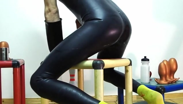 Rubber butt plug fest 3 - streching balls and ass Pantyhose cock pics