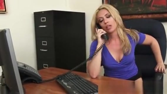 Horny Boss Craves For A Cock Online dating in usa xl