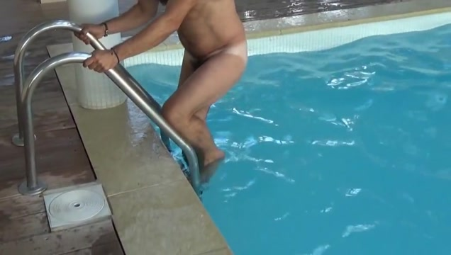 Four men at swimming pool south african black girls pussy