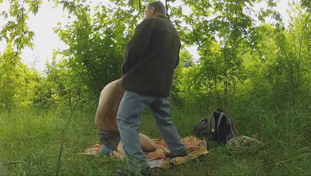 Podryw w lesie 3 Vegan dating ireland