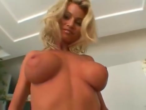 Shanda Playing with a cool bitch