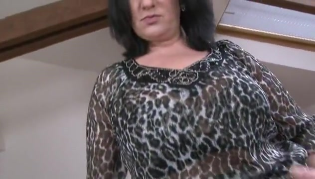 chubby brunette with bbc first time sexual intercourse
