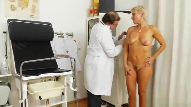 Blondes mama gyno plus a little extra horn pussty sex porn girls