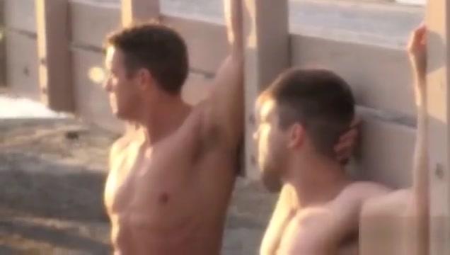 Alexander Motogazzi es follado por Johnny Rapid kristina rose lesbian tube