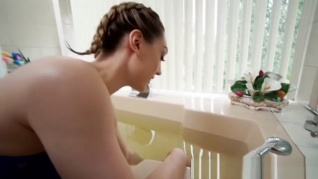 Mofos - I Know That Girl - Bbc Stretches Wife