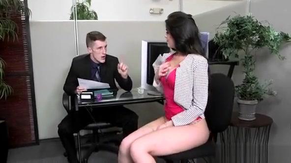 Curvy Slut Gets Her Wet And Squelching Cum-hole Drilled