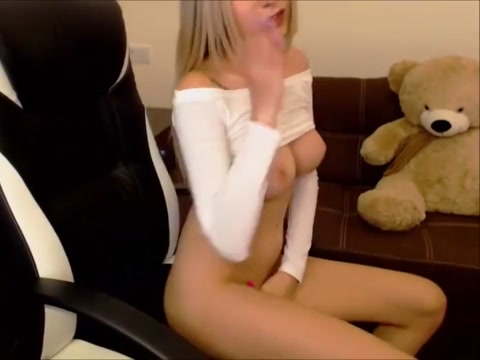Horny teen blonde cam girl long legged blonde victoria rubs her pussy to completion