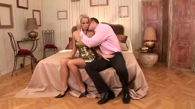 Hot busty bitch perfroming in amazing sex action ending with a huge cumshot Hookup a man with grown daughters