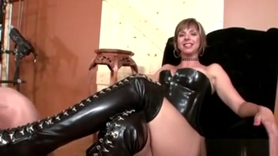 Dominatrix Gets Her Shoes Cleansed Free interracial vodeos