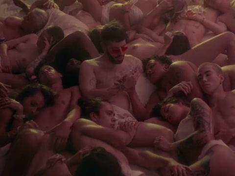 Laskaar - Traicion (Official Video) Friends boob show