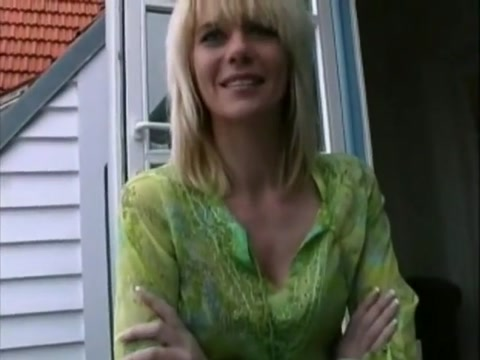 Hot German MILF-Anal Erotic missionary sex photos