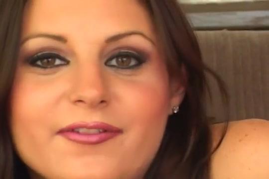 Belle Brune Aimant la double penetration