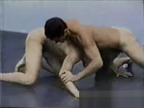 Robbie cardenas vs Anthony Dillon (nude wrestling ) Rebecca ferraz peladinha em casa