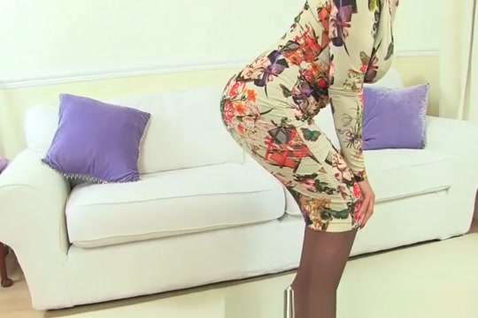 English milf Gabby will make you drool over her sweet fanny Dana tyson naked