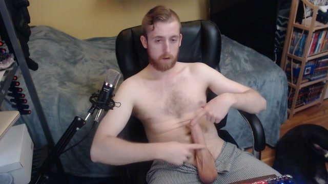 BIG HARD UNCUT DICK CAM MODEL SHOWS OFF FOR LIVE AUDIENCE ON CHATURBATE Shoot your jizz on my perfect feet
