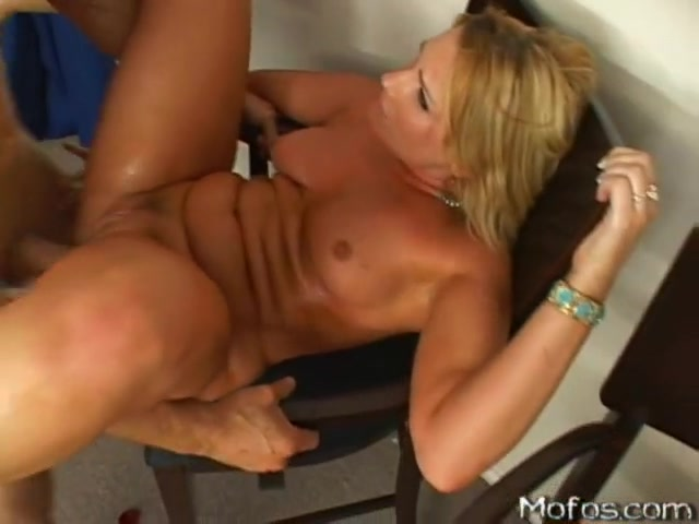 Flower Tucci - Who wants to marry a rich cock?! Free midget quick time vids