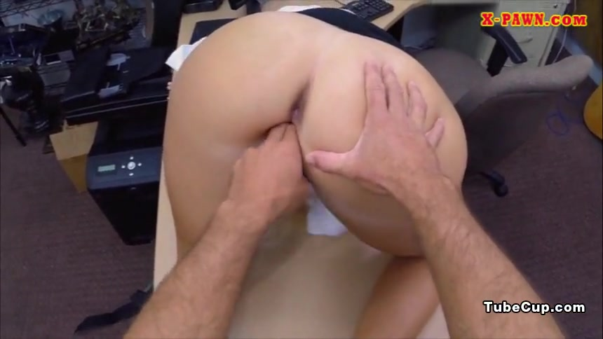 Phat ass babe pawns her pussy and fucked by pawnkeeper Help im a transvestite