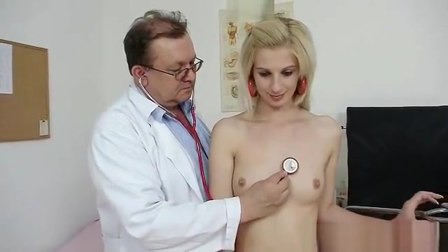Slim blonde Mia Hilton kinky vagina medical exam Free anal massturbation