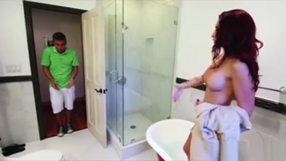 Sweet Karlies Shower Threesome Sex