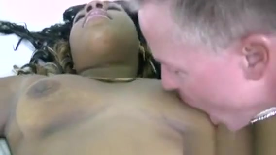 Ebony Hotty Endures Satisfaction From Her Dude Japanese Massage Nappa
