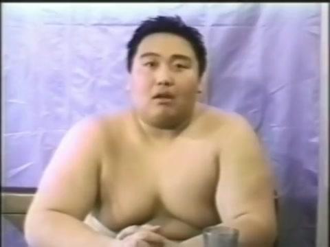 Former sumo wrestler Religious songs of encouragement