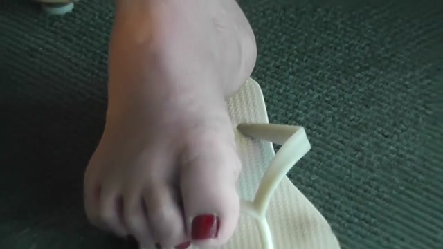 Candid asian feet 2 sexy girls half naked