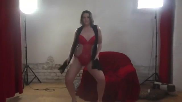 Amateurlapdancer.com site rip full video Sensual lesbians squirting during threesome