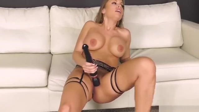 Britney Amber, Alex Legend FULL VIDEO IN WWW.XV100.CO Sexy duck butt girls