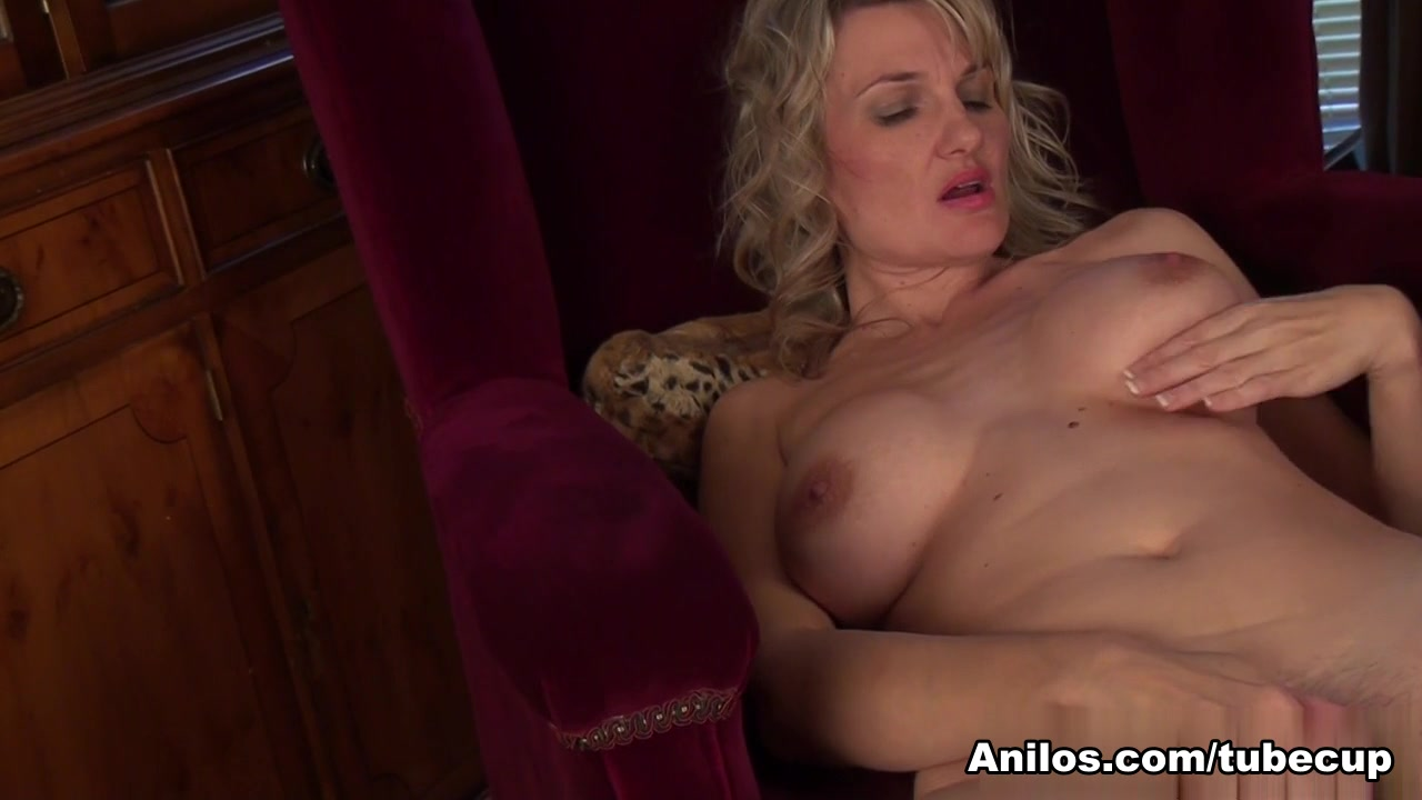 Roxy Jay in One Hairy Pussy Scene Hollywood sexcapades sexperience