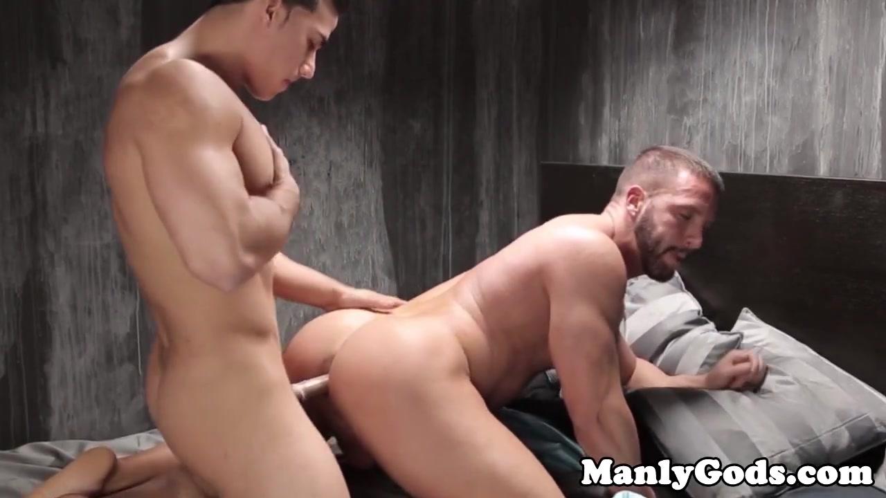 Gay musclular couple fucking closeup big tit hentai sex