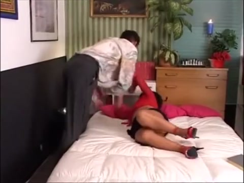 ROSALINDA HOLE BEVE TUTTO.... Xxx sex thai trailer