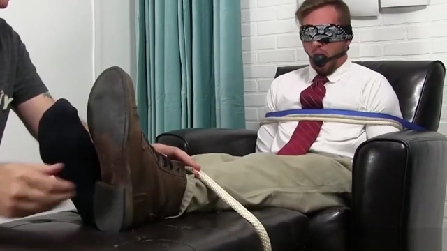 Good looking stud tied up and gagged while toe sucked Streaming Sex Public Place