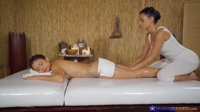 Sexy Oil Soaked Latina Lesbians - MassageRooms sex with naked woman