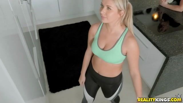 Nikky Dream & Chad Rockwell in Sweating The Rent - MikesApartment Vicky taiwan