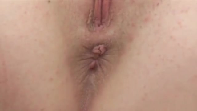 Erotic Teen Is Stretching Narrow Vagina In Close-up And Gett Hairless oneeyed monster is getting sucked