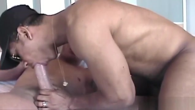 Huge dick gay oral sex with cumshot home made threesome comp