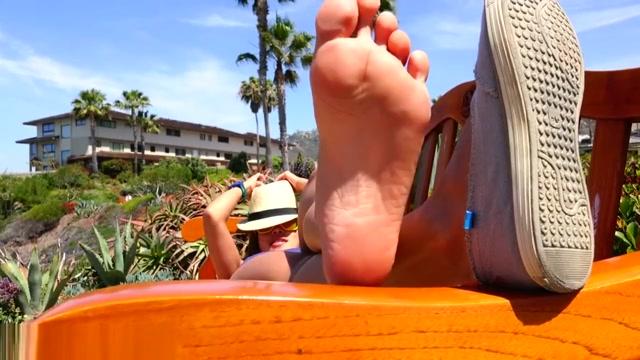 Cute Girl Sweaty Feet Hot and sexy girl boobs