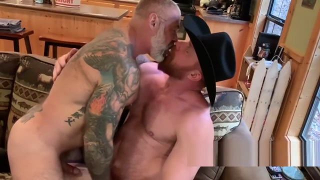 DeviantMan #42 Cowboy Bull Breeding - Daryl Richter - Eisen Loch (1080p) Free huge cock sucking video