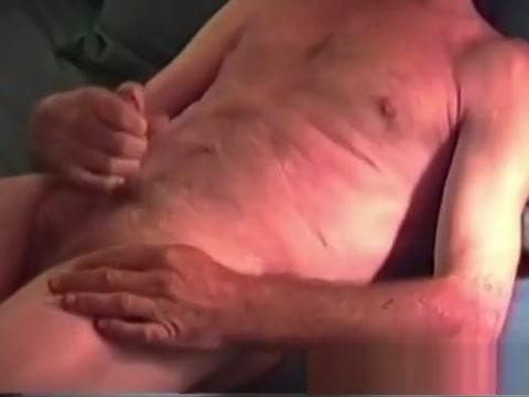 Mature Amateur Danny Jacking Off Jennifer aniston nude the break up
