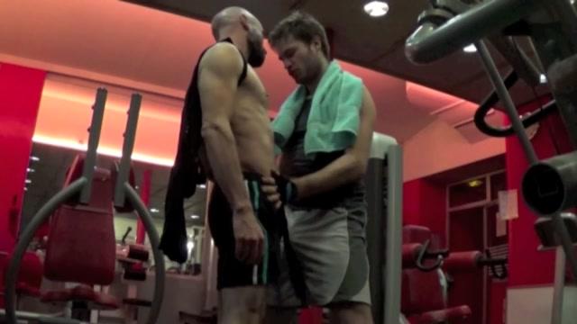 Gay self sucker fucks some gym hole - ButchDixon girl model tricked into fucking
